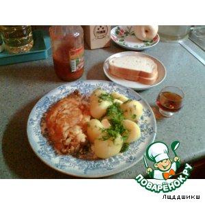 Шницель по-милански с картофелем и зеленью