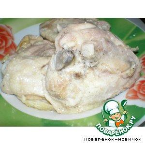 Тушеная курица в сметане