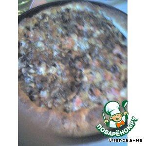 Пицца с ананасом и ветчиной