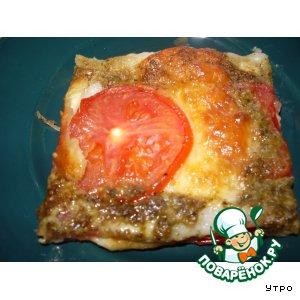 Пирог с моцареллой, помидорами и песто