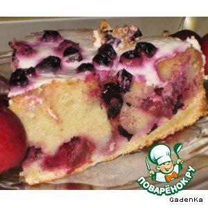 Вишневый пирог с «Мартини» и черникой