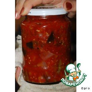 Баклажаны в томатном соке с перцем и луком