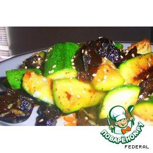Салат с цуккини и черносливом