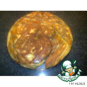 Гигантская лепeшка с мясным фаршем и сыром фетой