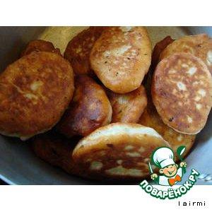 Луковые пирожки с картофельной начинкой