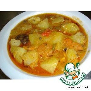 Картофель, тушенный с грибами и овощами