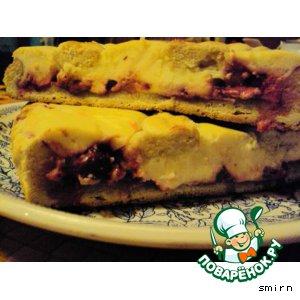 Пирог с творогом и ягодами