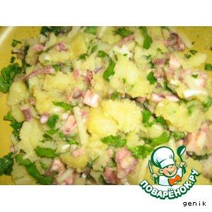 Салат картофельный с осьминожками