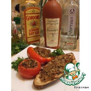 Печеные овощи, фаршированные курицей, с соусом бешамель и грибами