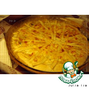 Слоeный пирог с начинкой из лука, опят и сливочно-сырной заливкой