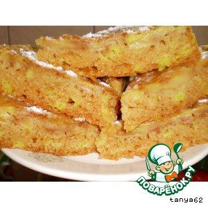 Постный бисквитный яблочный пирог