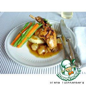Кролик в винном соусе с луком-шалотом