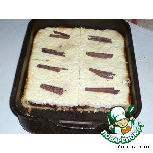 Песочно-творожный пирог с вареньем