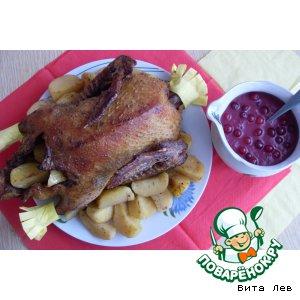 Утка с яблочно-клюквенным соусом