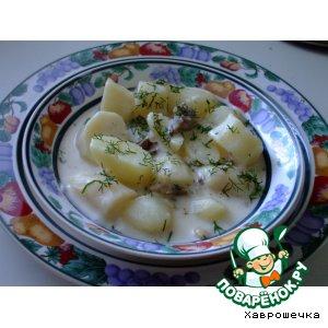 Тушеный картофель со сметаной