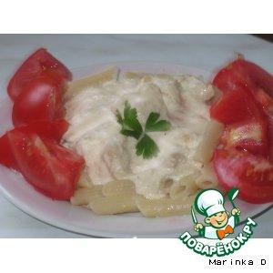 Кусочки куриного филе в сырно-сливочном соусе
