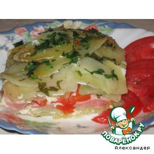 Картофельная запеканка-пирог с сосисками и овощами