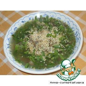 Суп с говядиной и рисовой вермишелью по-корейски