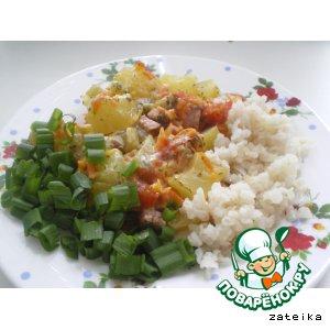 Запеченное овощное рагу с сосисками