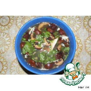 Суп с грибами шиитаке и яйцом