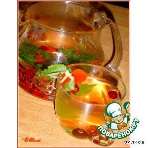 Чайный напиток с клюквой и мелиссой