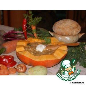 """Лесное озеро"" из мяса, сыра и овощей"