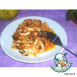 Пикантный салат с кальмаром