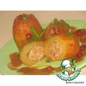 Фаршированная картошка в томатном соусе