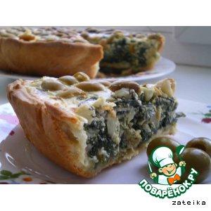 Зеленый пирог со шпинатом и оливками