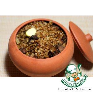 Гречневая каша в горшочках с белыми грибами и мясом