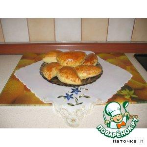 Пирожки с мясом, грибами и твердым сыром