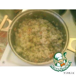 Рисовая каша с фаршем и кабачками