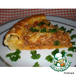 Открытый пирог с мясной начинкой