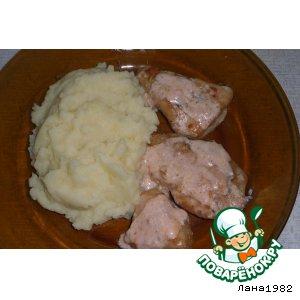 Мясо в сметанно-чесночной заливке