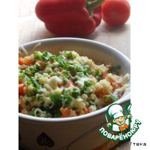 Теплый салат из киноа и булгура