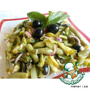 Салат из стручковой фасоли с маринованными огурцами