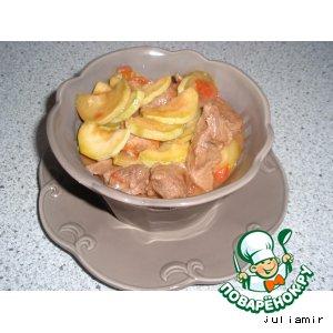 Свинина, жаренная с овощами