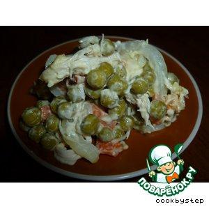 Салат из маринованной курицы с зеленым горошком