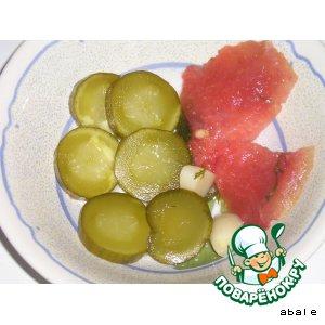 Огурцы соленые в съедобной таре