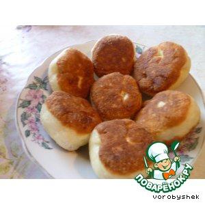 Жареные пирожки с начинкой из яблок