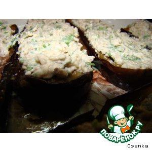 Баклажаны-лодочки  с орехами и чесноком