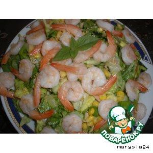 Салат с креветками и тунцом