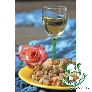 Семга с овощным гарниром в сливочно-грибном соусе
