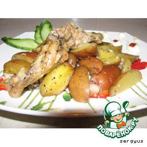 Картофель, запеченный с куриными крылышками