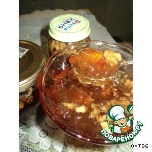 Яблочное желе с орехами