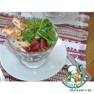 Теплый фасолевый салат с креветками и горчично-медовой поливкой