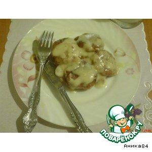 Сырники, томленые в сметанном соусе