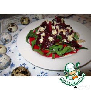 Салат из маринованной свеклы, рукколы и овсяных хлопьев