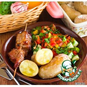Шашлык, картофель, салат