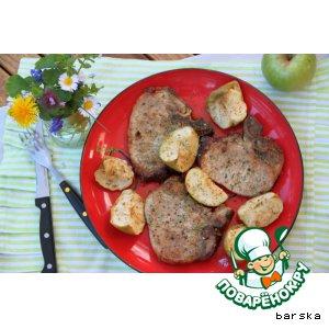 Свиные котлеты с яблочками в коньячно-горчичном соусе